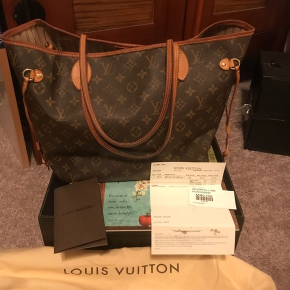 c54537613d8d Louis Vuitton Handbags - Louis Vuitton Neverfull MM Monogram serial  M40156